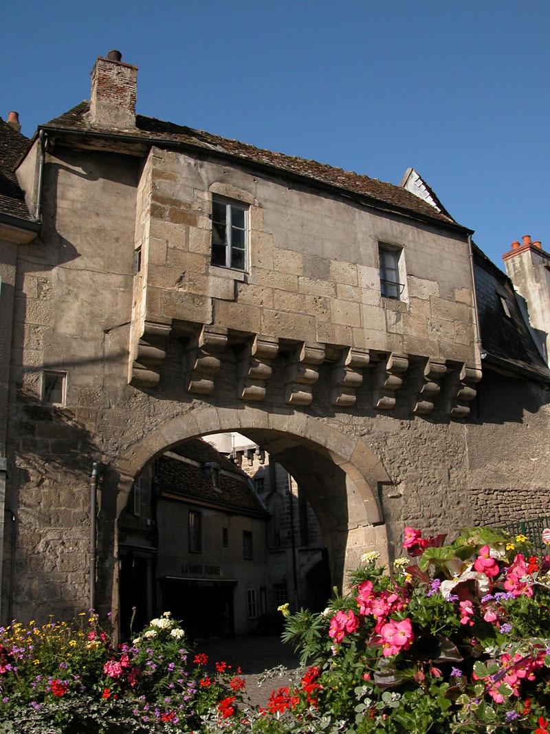 Достопримечательности Semur-en-Auxois
